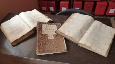 Organización y conservación del Archivo Histórico de la Prelatura de Chuquibamba - Camaná