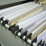Capetas colgantes libres de ácido en kárdex metálico para resguardo y conservación