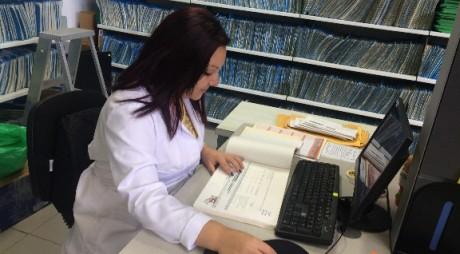Control de calidad a la aplicación de la norma ISAD-G en registros - Sra Wendy Jiménez.