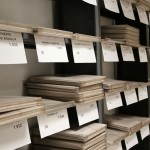 Los documentos ordenados en sus sobres especiales para conservación