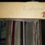 Inventariando la documentación del Departamento de Auditoría.