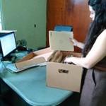 Labores de ordenación documentos del área legal, Archivo Central.