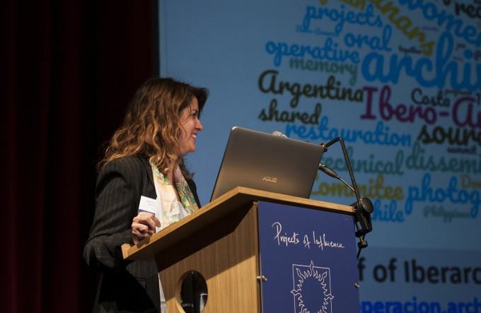 "Dª Cristina Díaz presentando Iberarchivos en ""The Best in Heritage"""