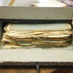 Documentos avulsos acondicionados antes do tratamento de preservação