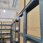Estantería y cajas donde se encuentran las sesiones de cabildo